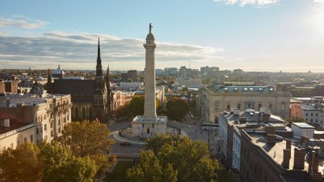 メリーランド州ボルチモアのマウントバーノン地区にあるワシントン記念塔