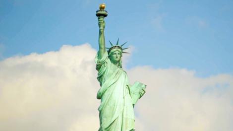 ニューヨーク市の象徴、自由の女神像