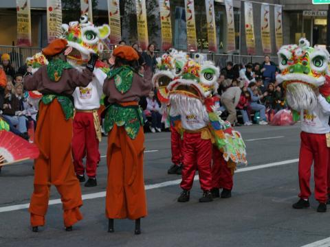 サンフランシスコのチャイナタウンの旧正月フェスティバル&パレード