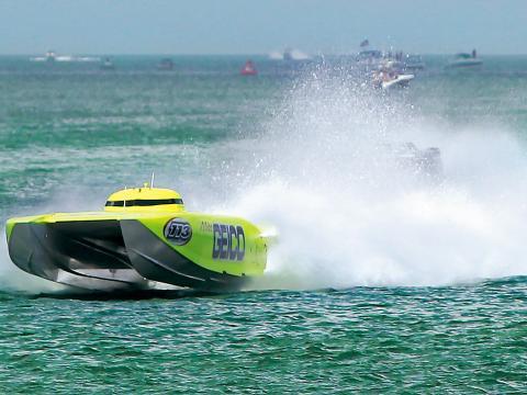 クリアウォーター・スーパー・ボート・ナショナル・チャンピオンシップに出場するスピードボート
