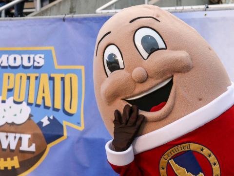 ボイジーで開催されるフェイマス・アイダホ・ポテト・ボウルのカレッジ・アメリカンフットボールのマスコット