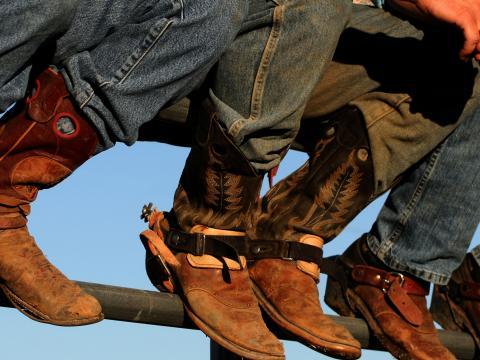 ウェスタン・アイダホ・フェアに展示されているカウボーイブーツ