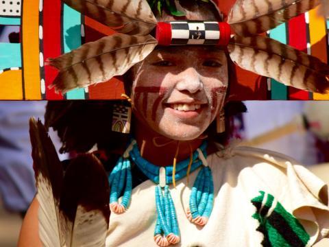 ホピ・フェスティバルに参加している女の子
