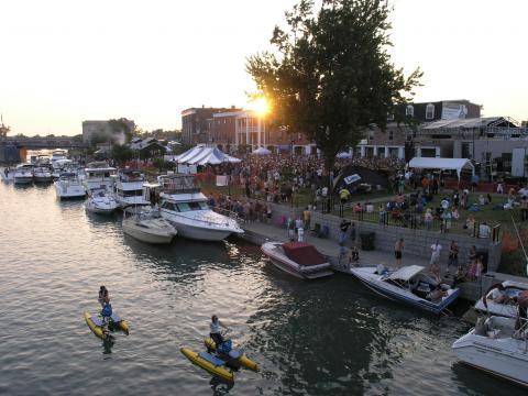 水辺で行われる楽しいイベント、カナル・フェスト・オブ・ザ・トナウォンダズ