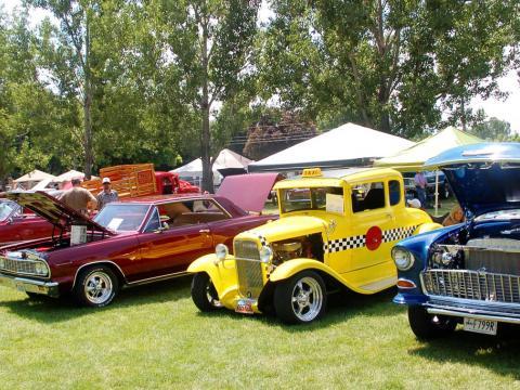 キャッシュ・バレー・クルーズインに並ぶクラシックカー