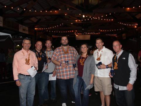 バーズタウン・クラフトビール・フェスティバルの参加者