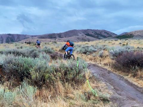 アイダホ州で開催されるポカテッロ・フォール・ウルトラで走るマウンテンバイク